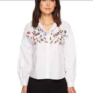 Two by Vince Camuto Embroidered Poplin Blouse—M